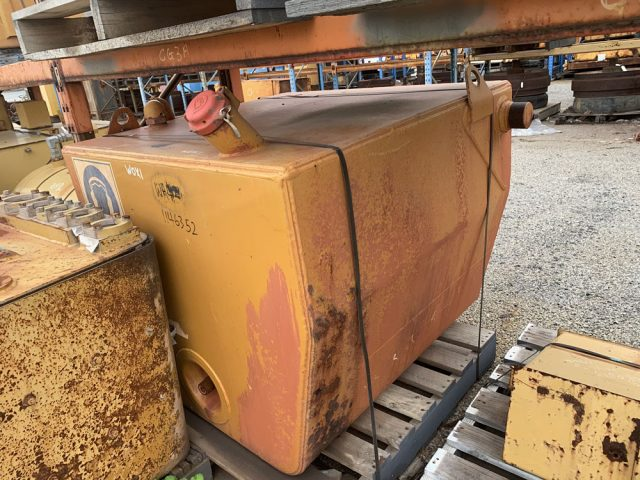 Caterpillar 777D fuel tank