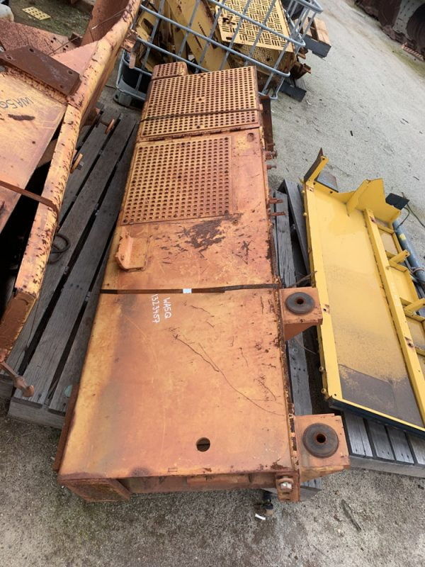 Used parts for sale by BTP Group - Caterpillar D10R fender