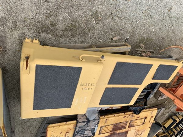 Used parts for sale by BTP Group - Caterpillar 789C hood assembly