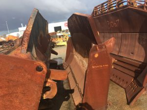 Used parts for sale by BTP Group - Komatsu D155AX blade group