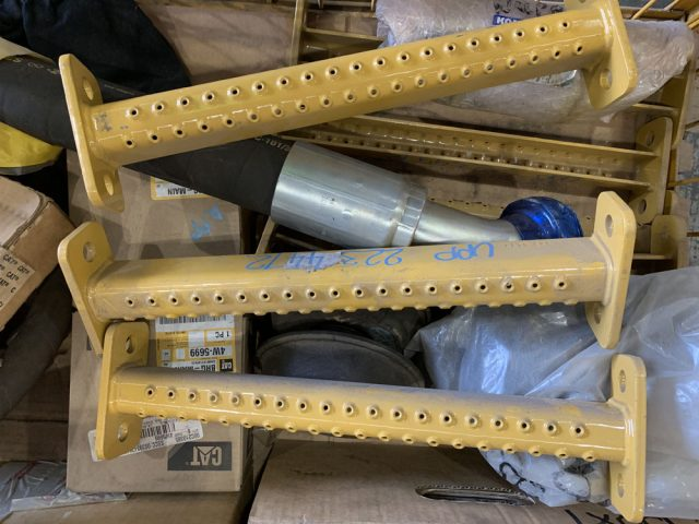 Used parts for sale by BTP Group - Caterpillar 793C step