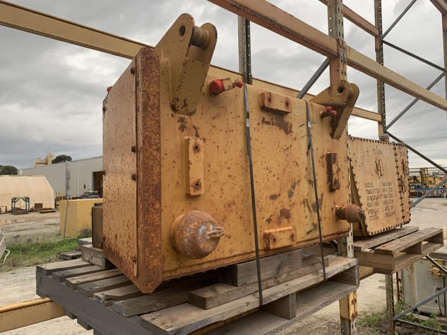 Caterpillar 777F hydraulic tank