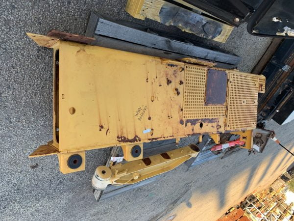 Used parts for sale by BTP Group - Caterpillar D10T fender right hand