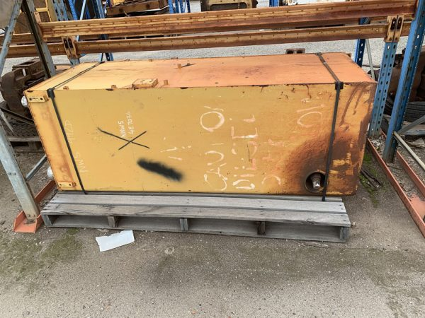 Caterpillar 992D fuel tank