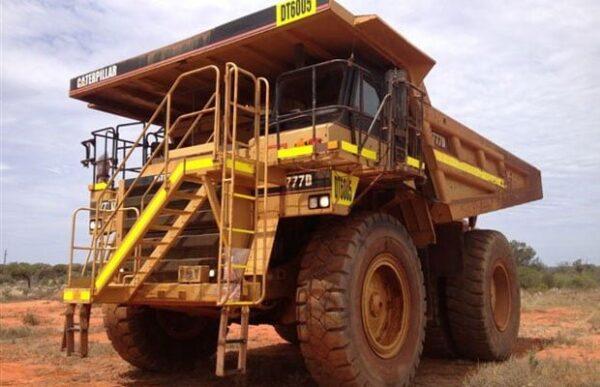Caterpillar 777D Dump Truck •