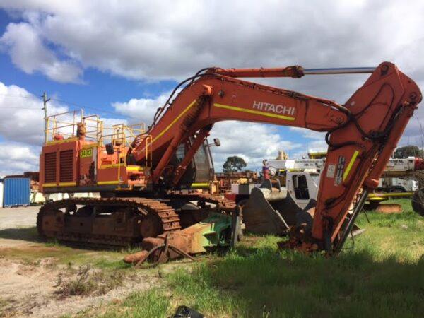 Hitachi ZX670 LH-3 Excavator •