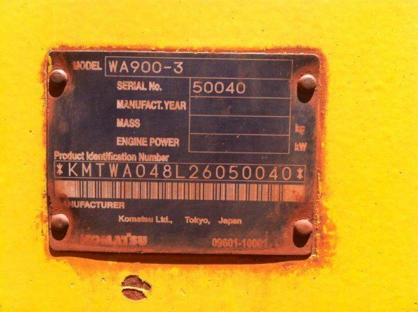 Komatsu WA900-3 •