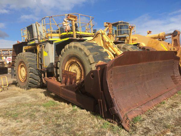 Dismantling now by BTP Group - Komatsu Dozer WD900