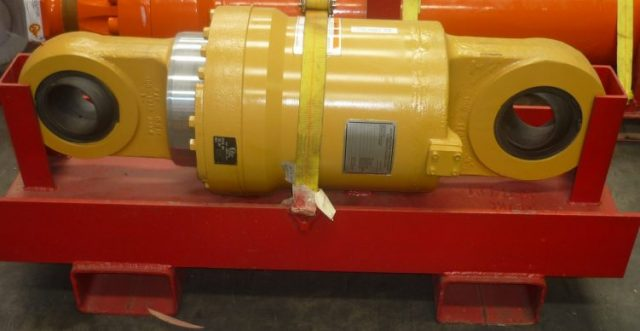 Parts for sale by BTP Group - Rear Suspension Cylinder Caterpillar 789C