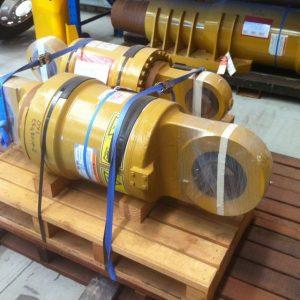suspension • 793D and 793F Rear Strut Suspension 2955709