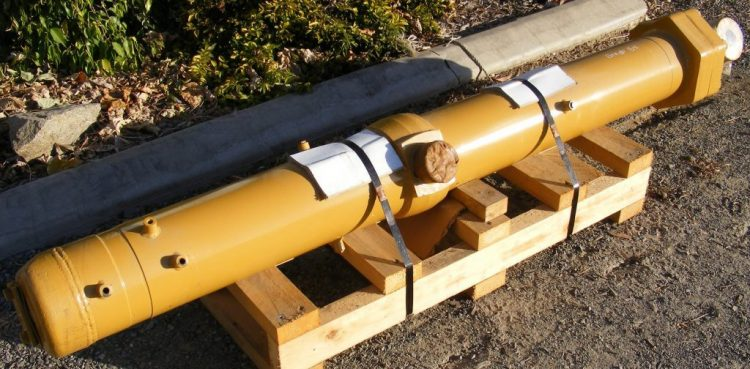 Parts for sale by BTP Group - Loader Blade Lift Cylinder Caterpillar 854K