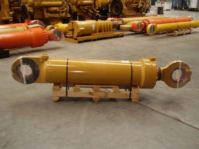 BTP Group Service Exchange Parts - Cylinder Lift Right Hand 992G
