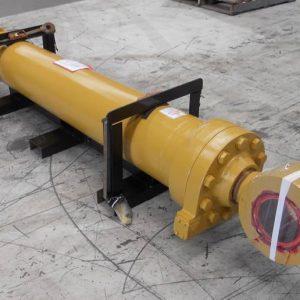 Loader • 992G Tilt Cylinder 167 7996