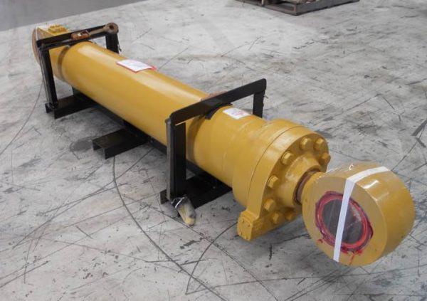 Cylinder Tilt (167-7996) • 992G Tilt Cylinder 167 7996