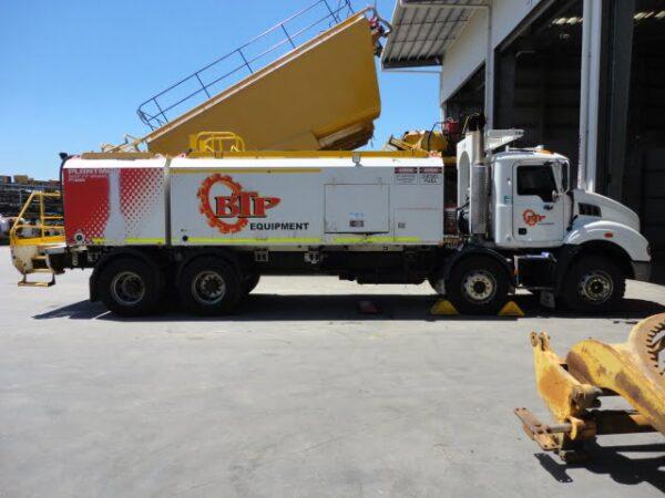 MACK ST8009 SERVICE TRUCK • ST8009 Mack Service Truck 1