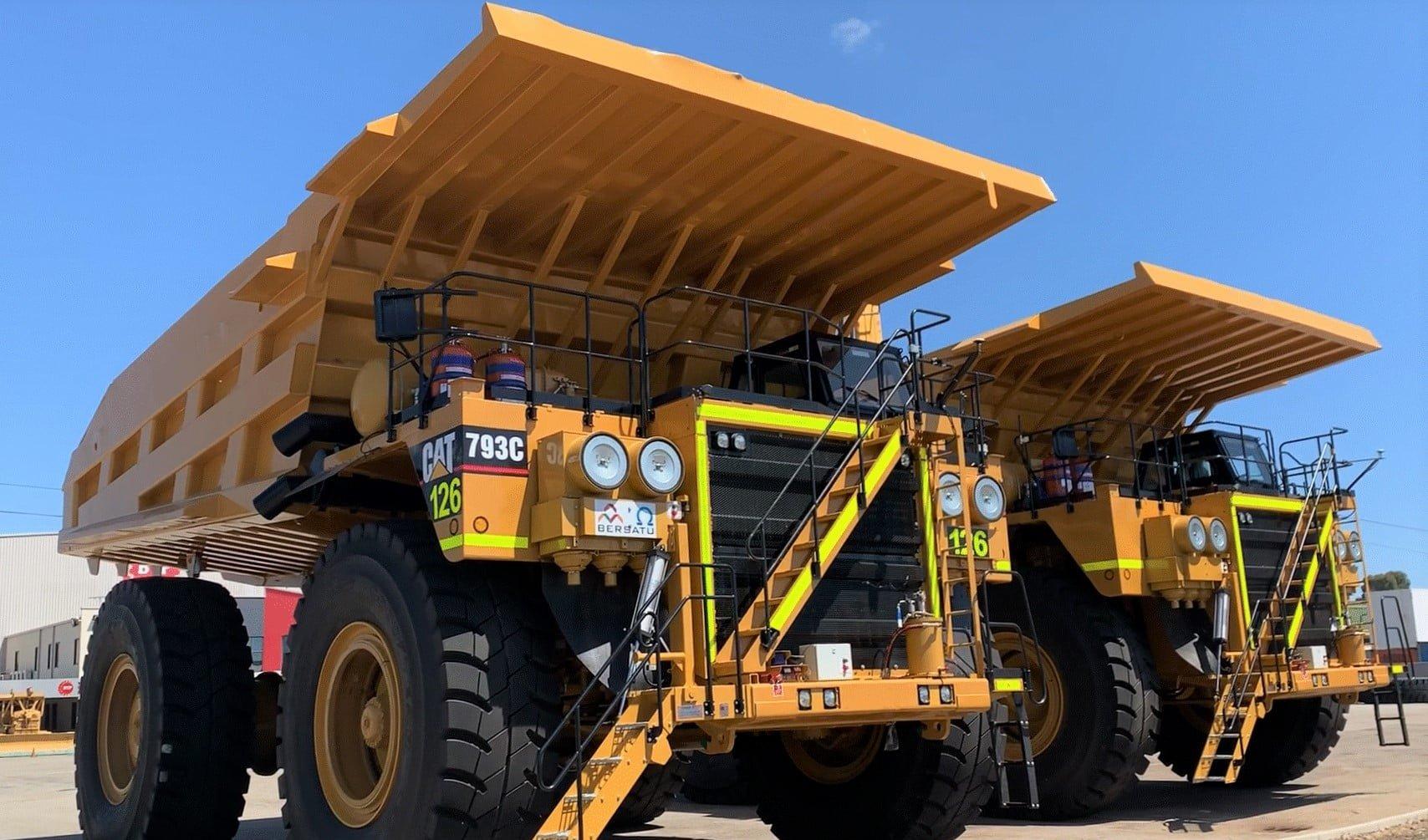 CAT 793c Truck Rebuilds Photo Gallery • Trays 1
